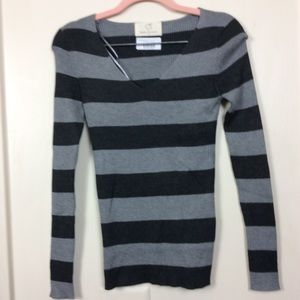 🎉Wide Striped Slim Fit Top Size Medium NWT